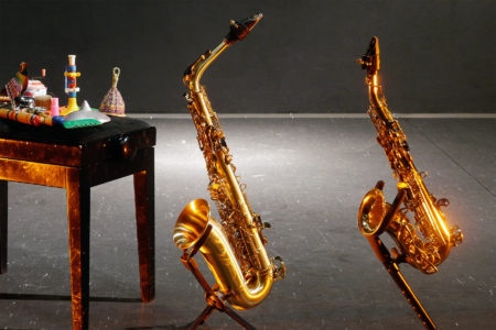 Saxophone auf der Bühne der Klangbrücke - music loft | Freie Musikschule Aachen