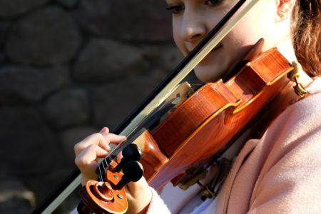 Violine Geige Schülerin Vorspiel - music loft | Freie Musikschule Aachen