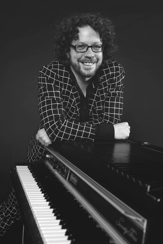 Adrian Wachowiak - Klavier E-Piano Keyboard